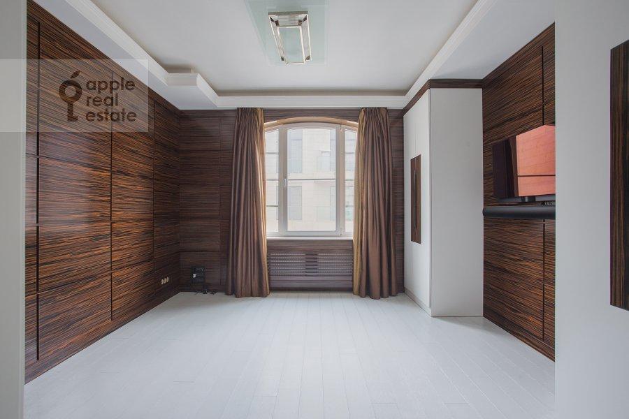 Детская комната / Кабинет в 5-комнатной квартире по адресу Смоленский 1-й пер. 17