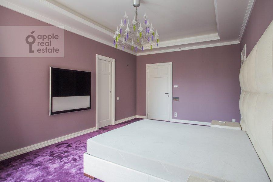 Спальня в 5-комнатной квартире по адресу Смоленский 1-й пер. 17