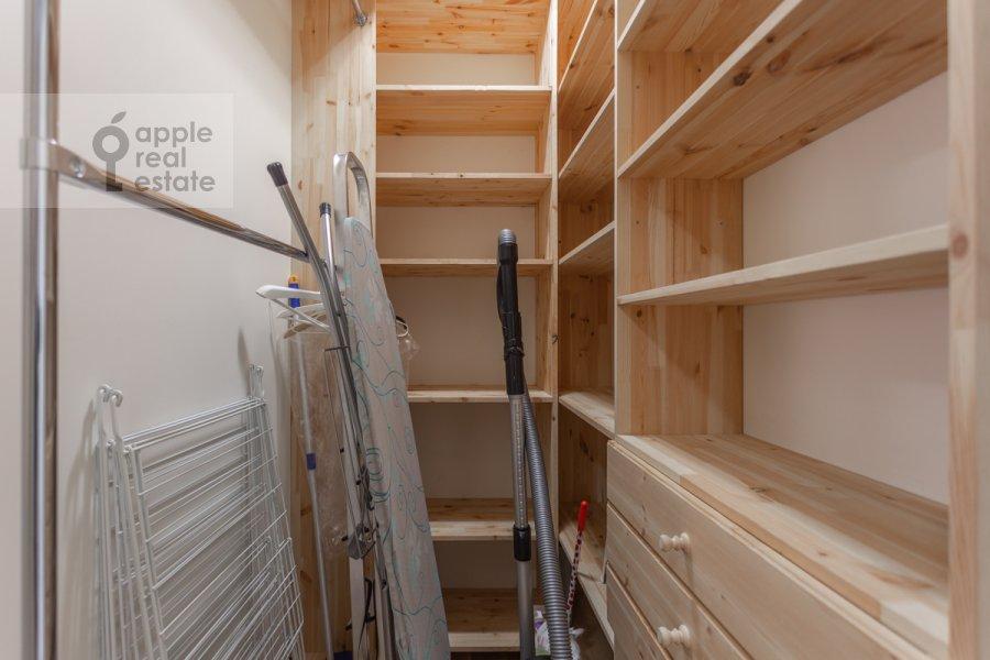 Walk-in closet / Laundry room / Storage room of the 3-room apartment at Sretenka ul. 9