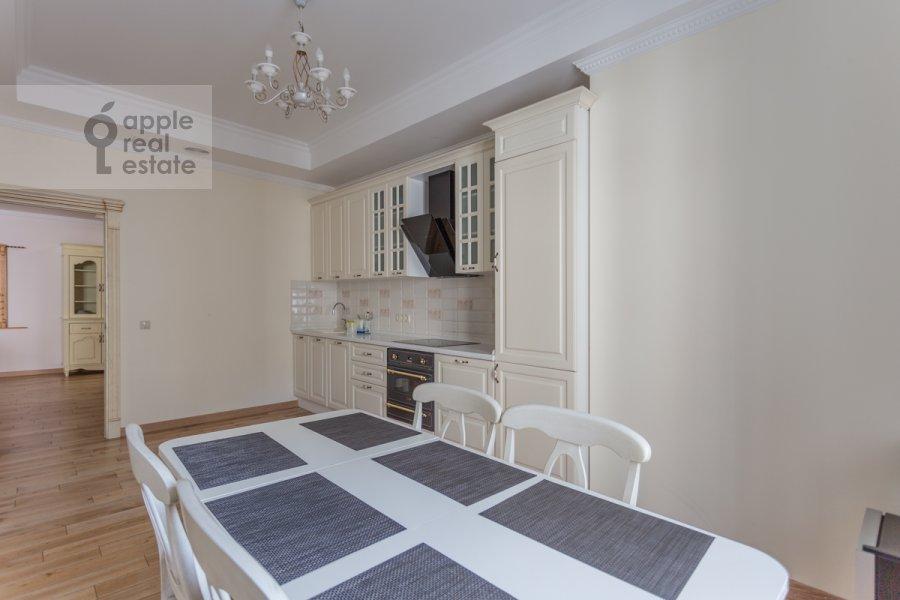 Kitchen of the 3-room apartment at Sretenka ul. 9