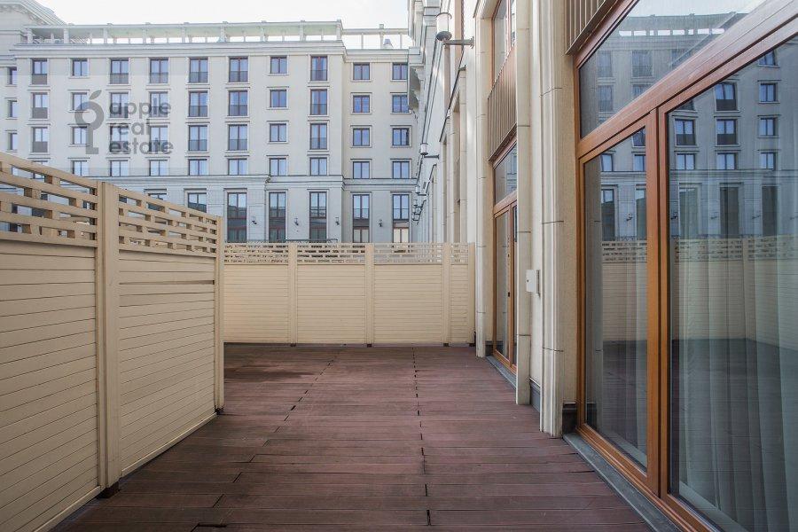 Balcony / Terrace / Loggia of the 2-room apartment at Okhotnyy Ryad 2