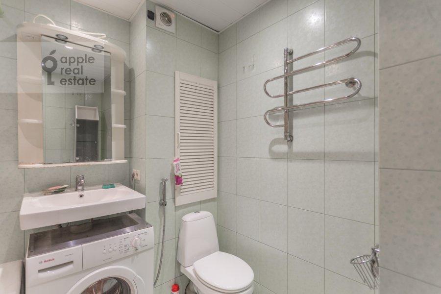 Bathroom of the 3-room apartment at Kuusinena ul. 4Ak4