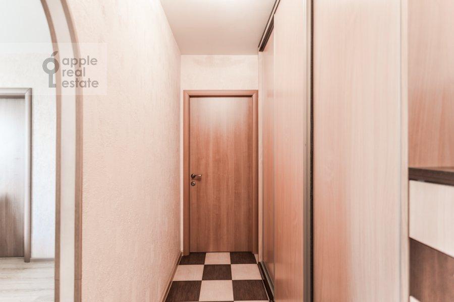 Corridor of the 3-room apartment at Kuusinena ul. 4Ak4