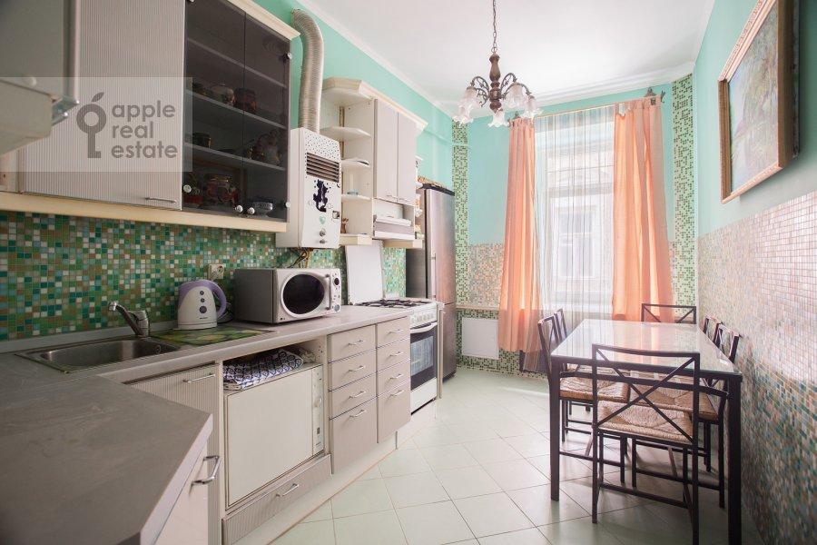 Kitchen of the 4-room apartment at Kozikhinskiy Bol'shoy per. 8