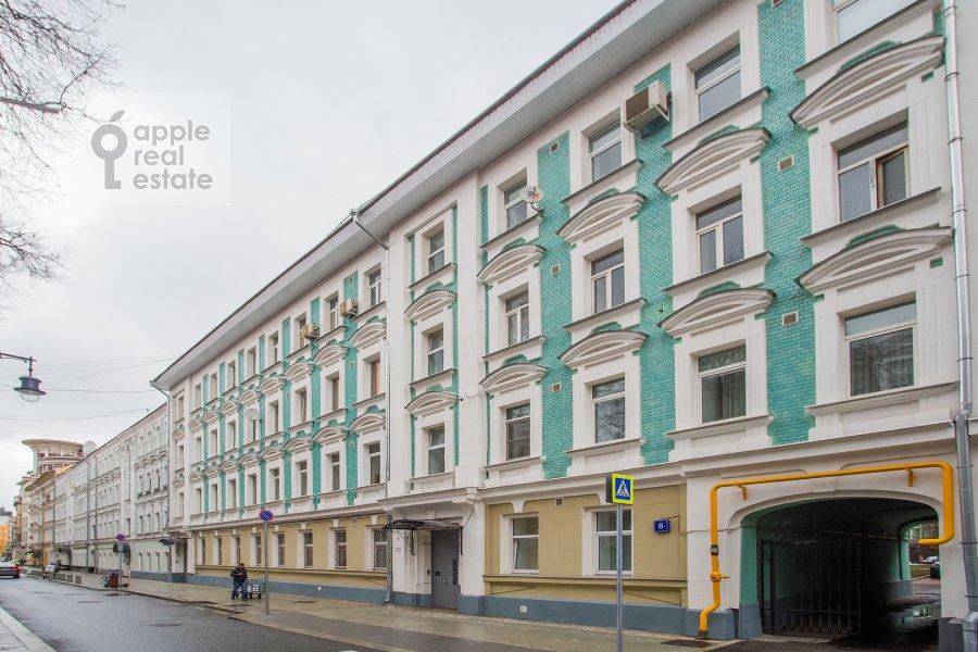 Photo of the house of the 4-room apartment at Kozikhinskiy Bol'shoy per. 8