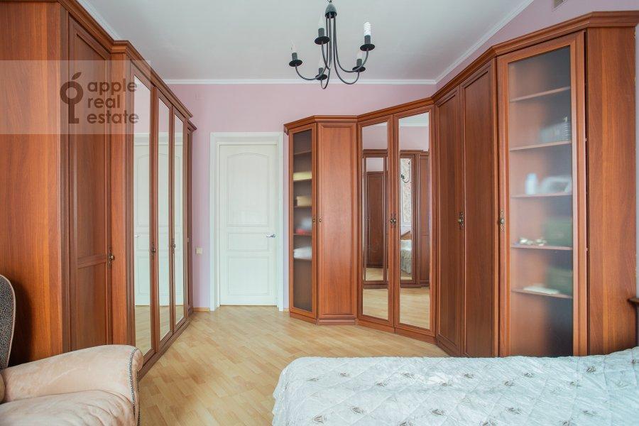 Bedroom of the 4-room apartment at Kozikhinskiy Bol'shoy per. 8