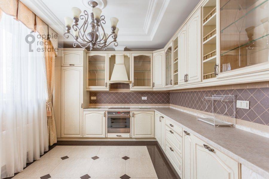 Кухня в квартире-студии по адресу Композиторская ул. 17