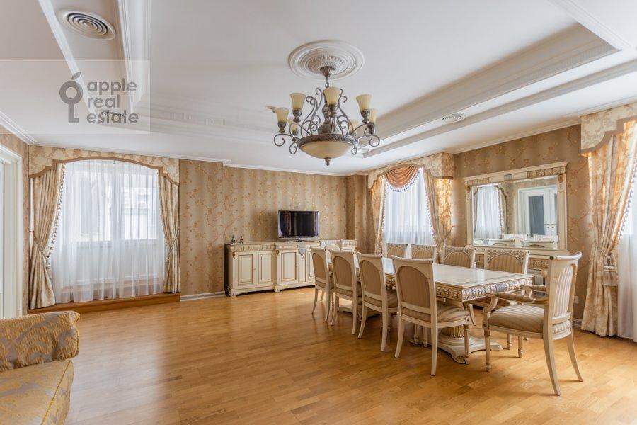 Kitchen of the studio apartment at Kompozitorskaya ul. 17