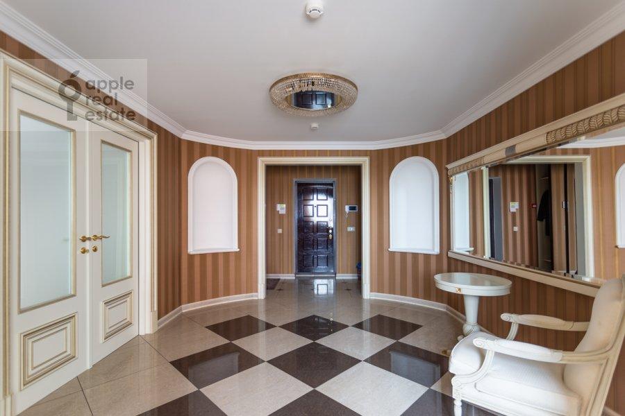 Corridor of the studio apartment at Kompozitorskaya ul. 17