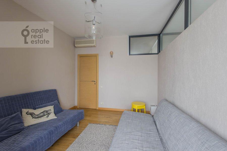 Children's room / Cabinet of the 4-room apartment at Leningradskiy pr-t. 52