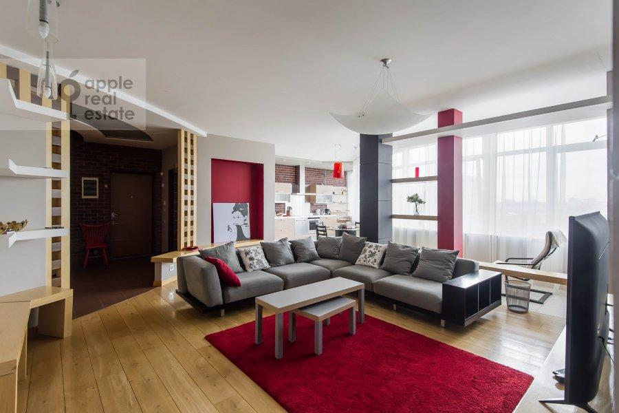 Living room of the 4-room apartment at Leningradskiy pr-t. 52