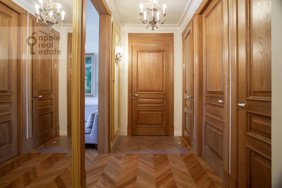 Corridor of the 3-room apartment at Strel'bishienskiy per. 26/9