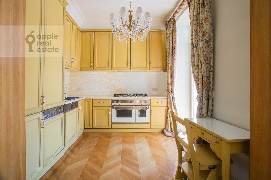 Kitchen of the 3-room apartment at Strel'bishienskiy per. 26/9
