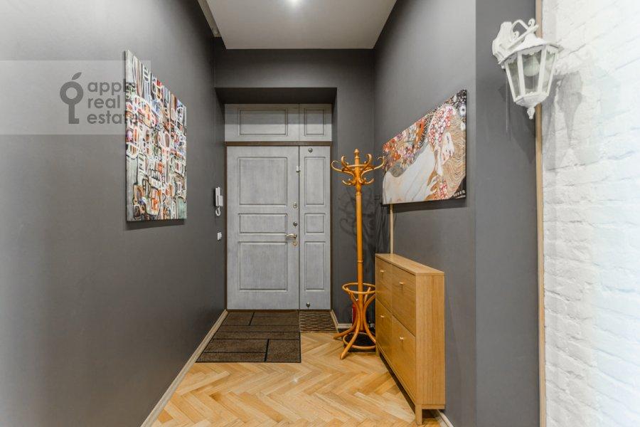 Corridor of the 3-room apartment at Trekhprudnyy per. 11/13s1
