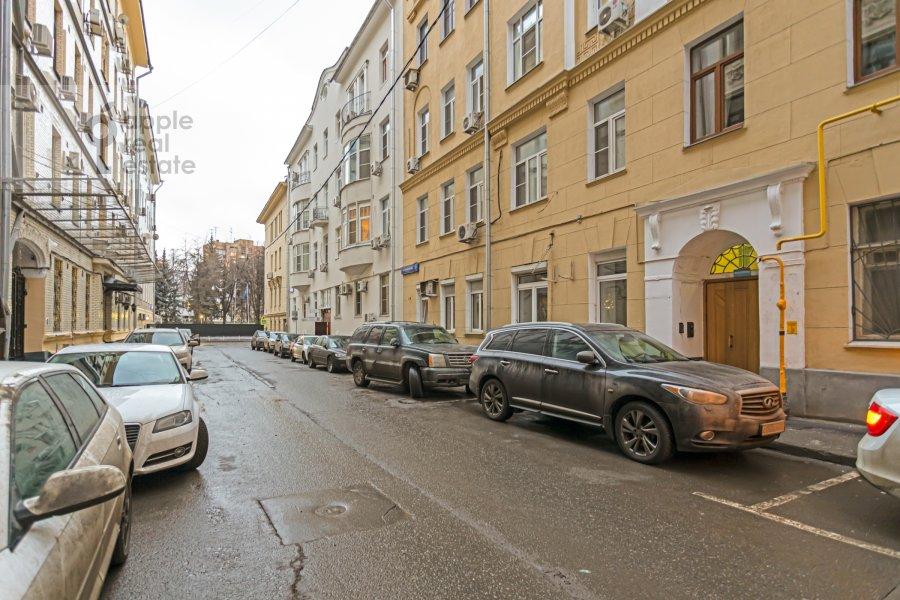 Фото дома 4-комнатной квартиры по адресу Каковинский Малый пер. 3к1