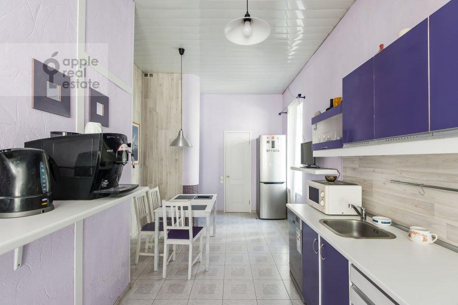 Кухня в 4-комнатной квартире по адресу Каковинский Малый пер. 3