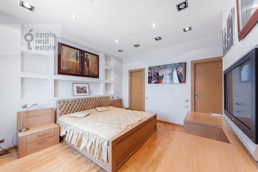 Bedroom of the 3-room apartment at Mosfil'movskaya ulitsa 70k3