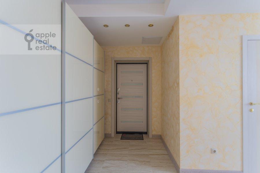 Corridor of the 3-room apartment at Khoroshevskoe shosse 12k1