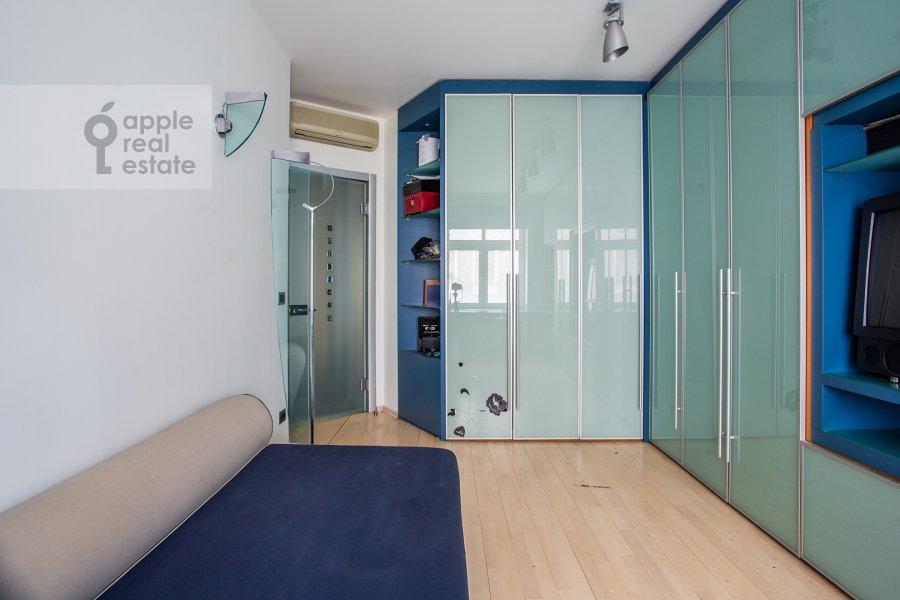 Children's room / Cabinet of the 3-room apartment at Ostozhenka ul. 25