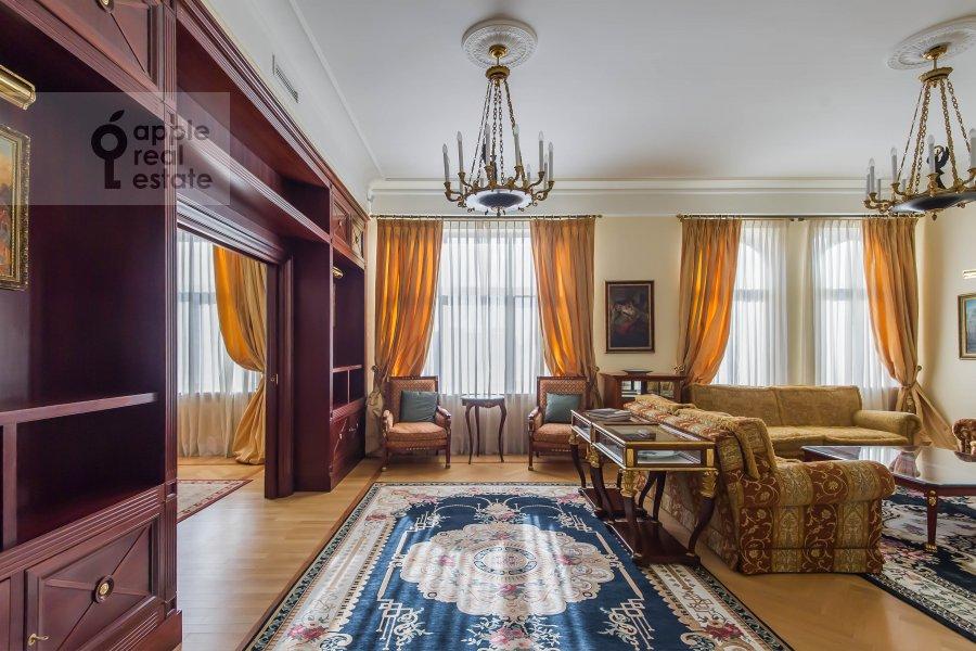 Гостиная в 5-комнатной квартире по адресу Молчановка Малая ул. 8с1