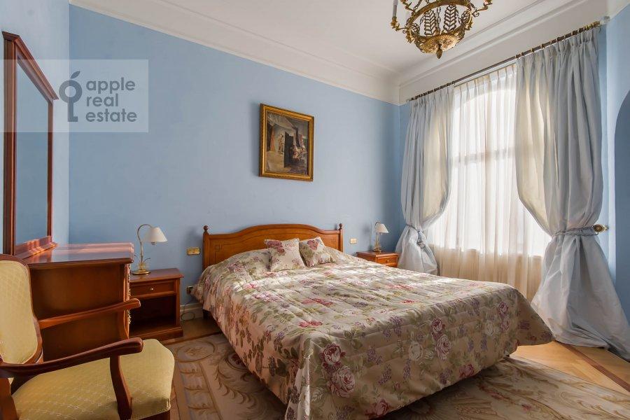Спальня в 5-комнатной квартире по адресу Молчановка Малая ул. 8с1