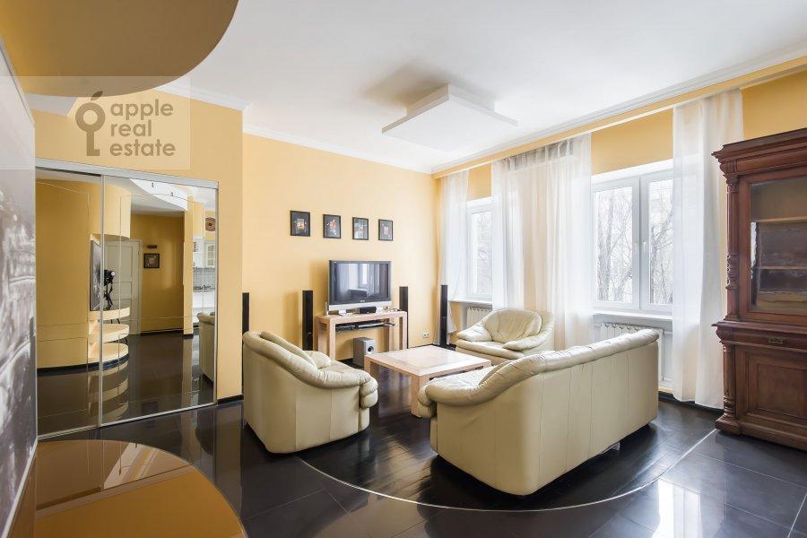 Гостиная в 3-комнатной квартире по адресу Ленинградский пр-т. 26к2