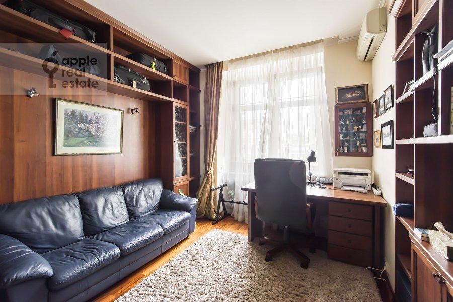 Children's room / Cabinet of the 3-room apartment at Leninskiy pr-t. 26