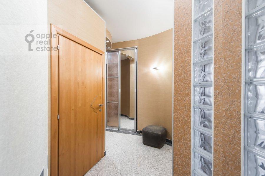 Corridor of the 2-room apartment at Arkhitektora Vlasova ul. 20