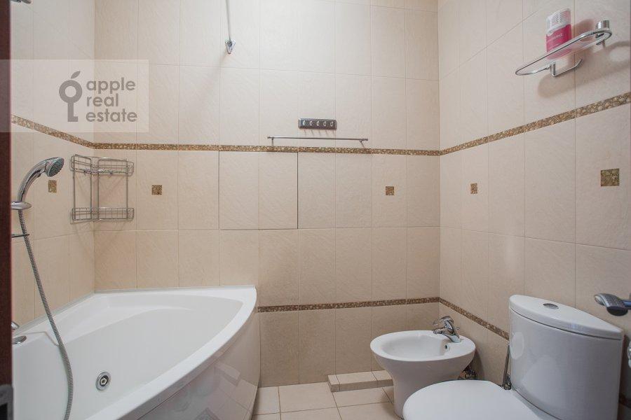 Bathroom of the 2-room apartment at Minskaya ul. 1gk1