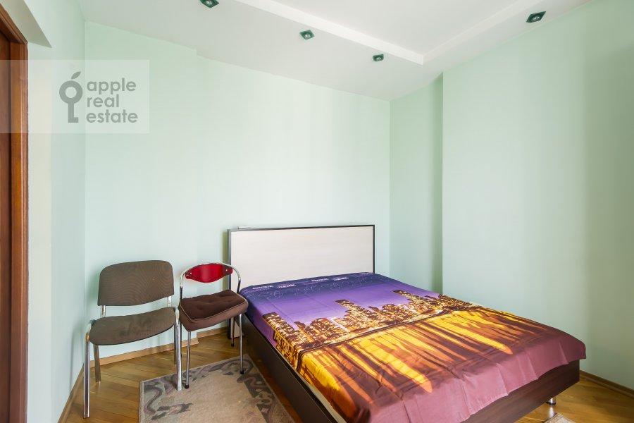 Bedroom of the 3-room apartment at Kutuzovskiy prospekt 4/2
