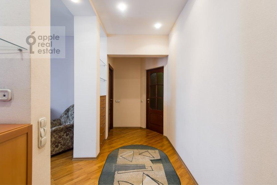 Corridor of the 3-room apartment at Kutuzovskiy prospekt 4/2