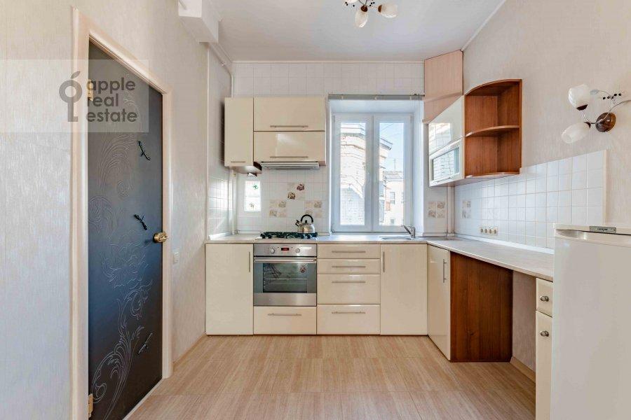 Кухня в 3-комнатной квартире по адресу Сивцев Вражек пер. 21