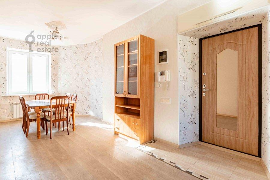 Коридор в 3-комнатной квартире по адресу Сивцев Вражек пер. 21