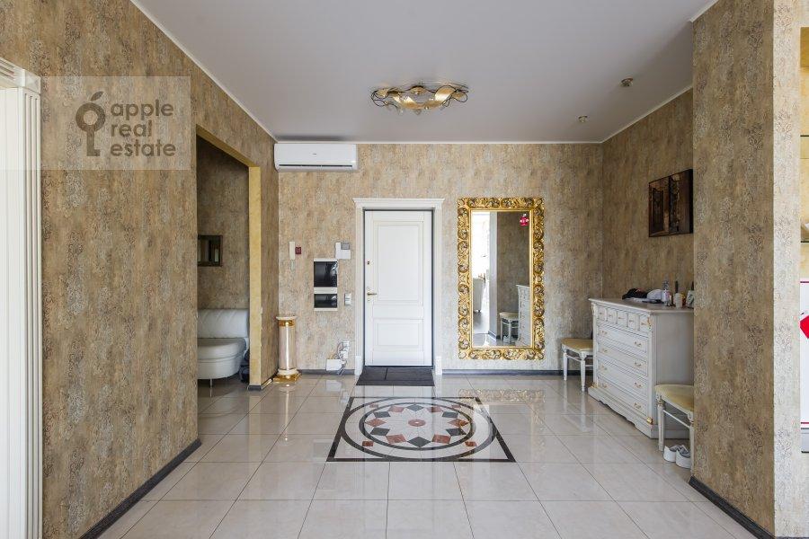 Corridor of the 3-room apartment at Shumkina ul. 11A