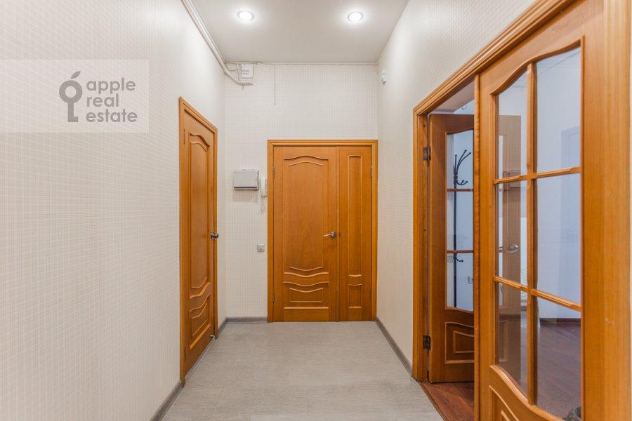 Коридор в 4-комнатной квартире по адресу Кривоарбатский пер. 19