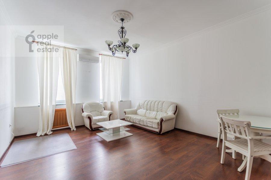 Гостиная в 4-комнатной квартире по адресу Кривоарбатский пер. 19