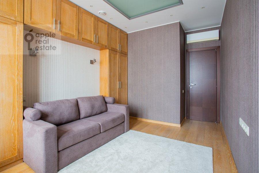 Children's room / Cabinet of the 4-room apartment at Aviakonstruktora Mikoyana 14k4