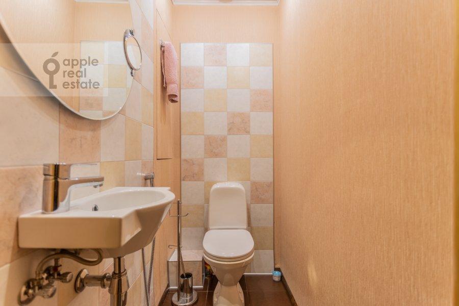 Санузел в 2-комнатной квартире по адресу Астраханский пер. 10/36с1