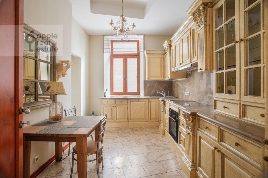Кухня в 4-комнатной квартире по адресу Сивцев Вражек пер. 44/28