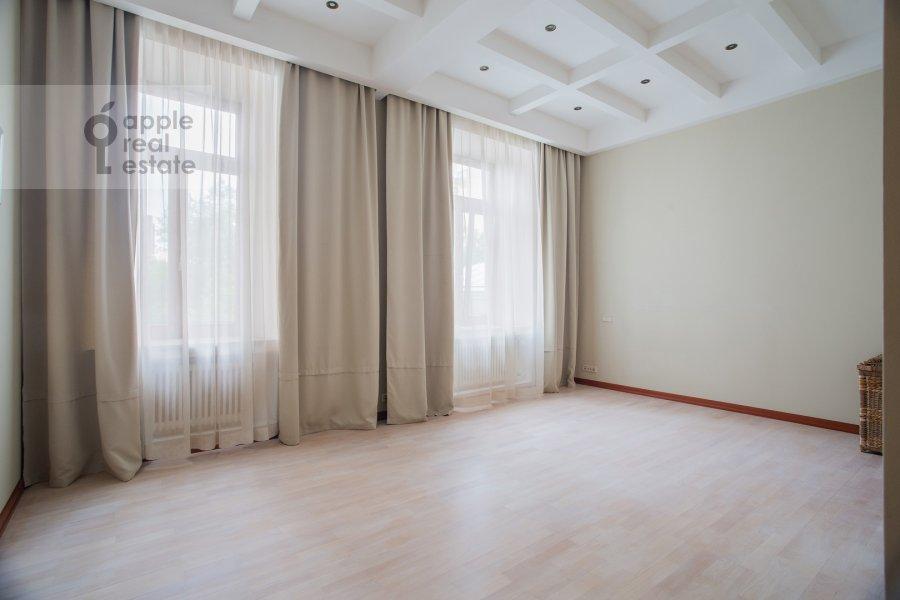 Спальня в 4-комнатной квартире по адресу Сивцев Вражек пер. 44/28