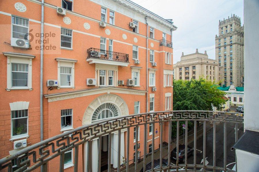 Балкон / Терраса / Лоджия в 4-комнатной квартире по адресу Сивцев Вражек пер. 44/28