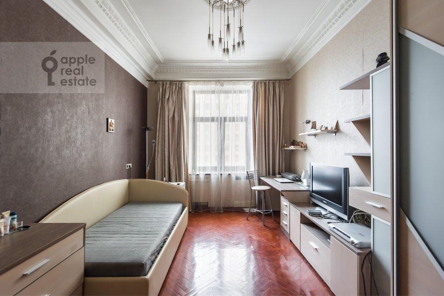 Children's room / Cabinet of the 2-room apartment at Kudrinskaya pl. 1