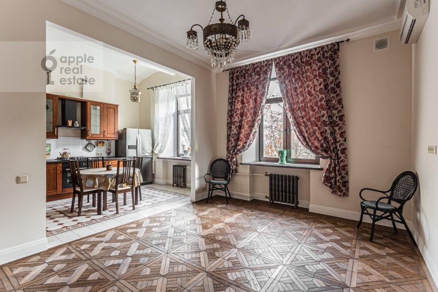 Кухня в 3-комнатной квартире по адресу Смоленский бульвар 15