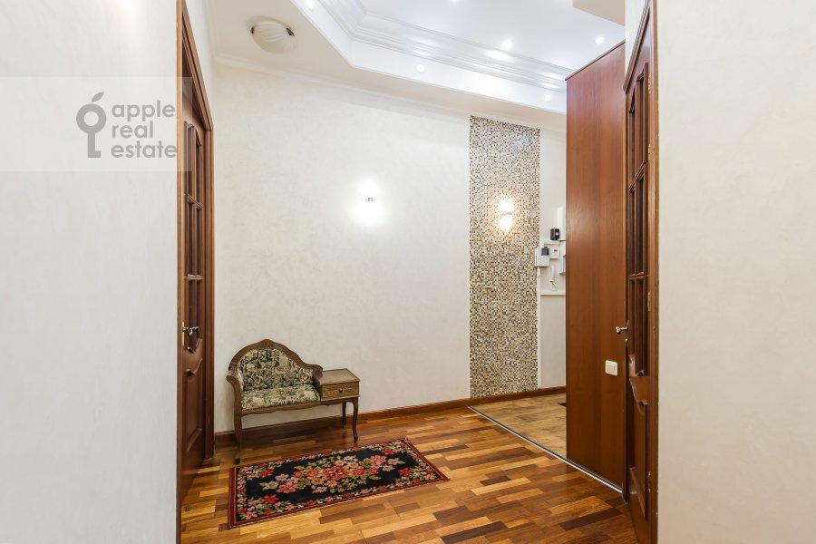 Corridor of the 3-room apartment at Degtyarnyy per. 5s1