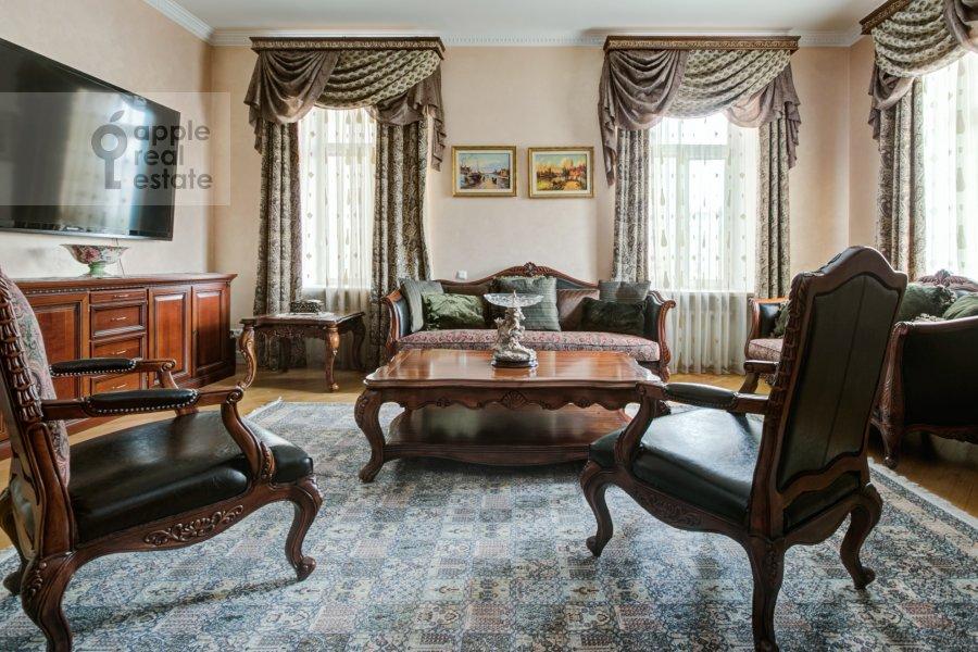 Гостиная в 5-комнатной квартире по адресу Садовая-Черногрязская ул. 3Бс1