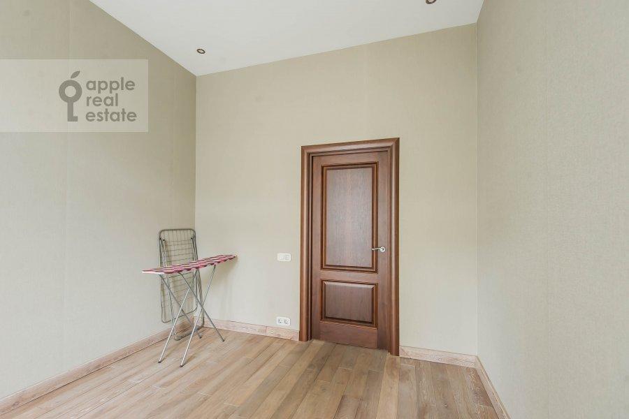 Children's room / Cabinet of the 3-room apartment at Lyusinovskiy 3-y per. 1S1