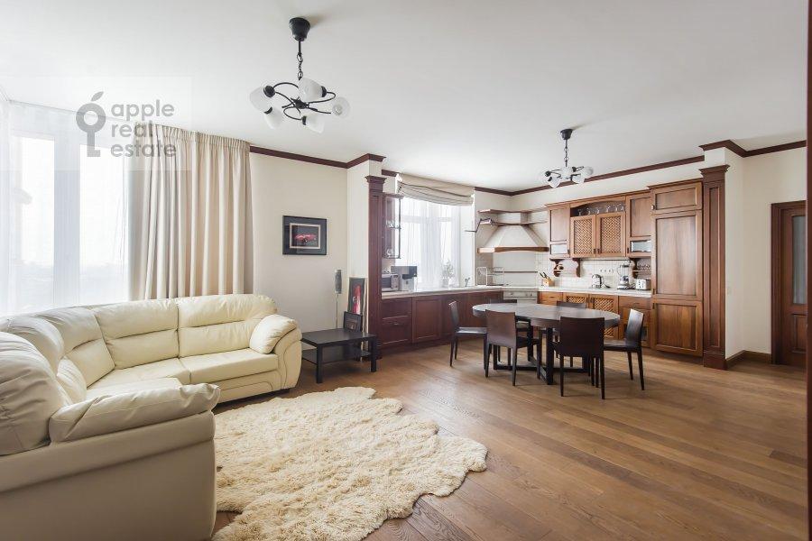 Гостиная в 3-комнатной квартире по адресу Авиационная ул. 79к3