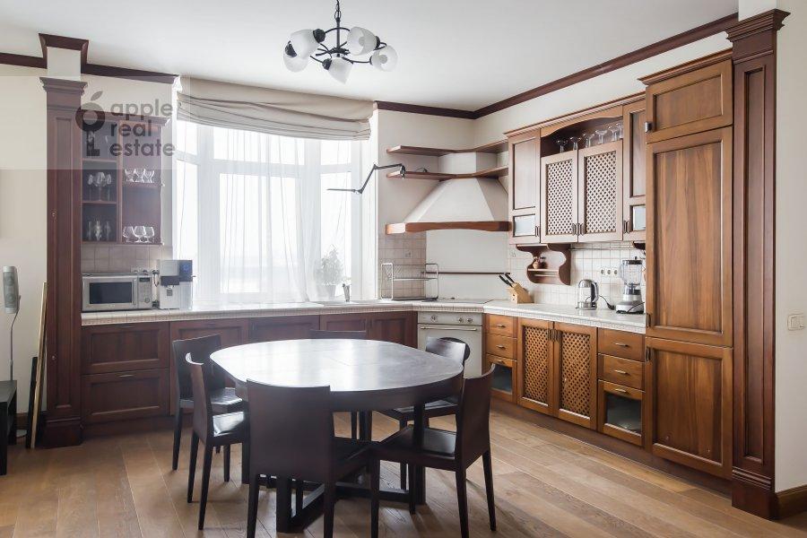 Кухня в 3-комнатной квартире по адресу Авиационная ул. 79к3