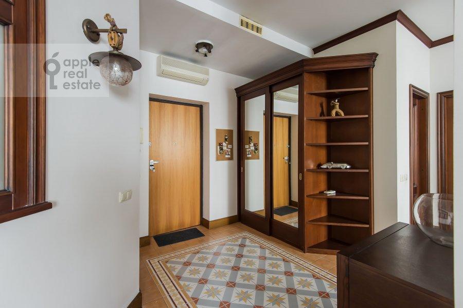 Коридор в 3-комнатной квартире по адресу Авиационная ул. 79к3
