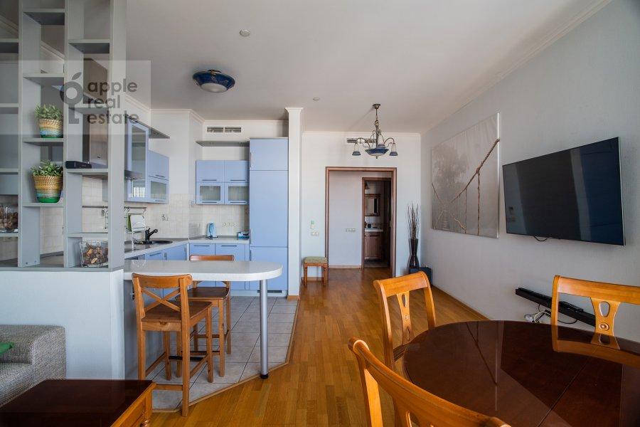 Living room of the 3-room apartment at Mosfil'movskaya ul. 70k2